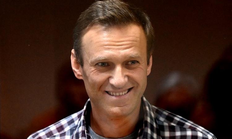 Nhà hoạt động đối lập Nga Alexei Navalny trong một phiên tòa tại tòa án quận Babushkinsky, Moskva, hôm 20/2. Ảnh: AFP.
