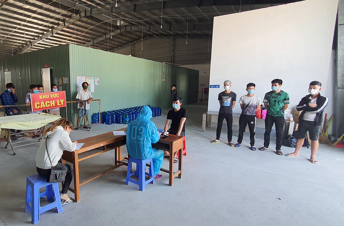 Khu cách ly tập trung tại TP Hà Tiên tiếp nhận người từ Campuchia về. Ảnh: Nguyễn Phương