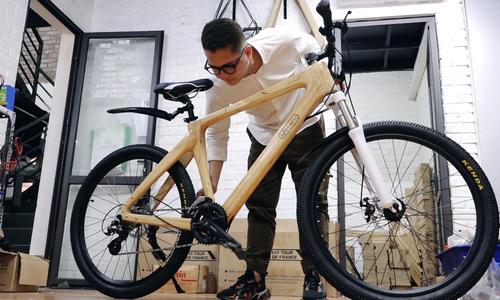 Xe đạp khung bằng tre bán 60 triệu đồng mỗi chiếc