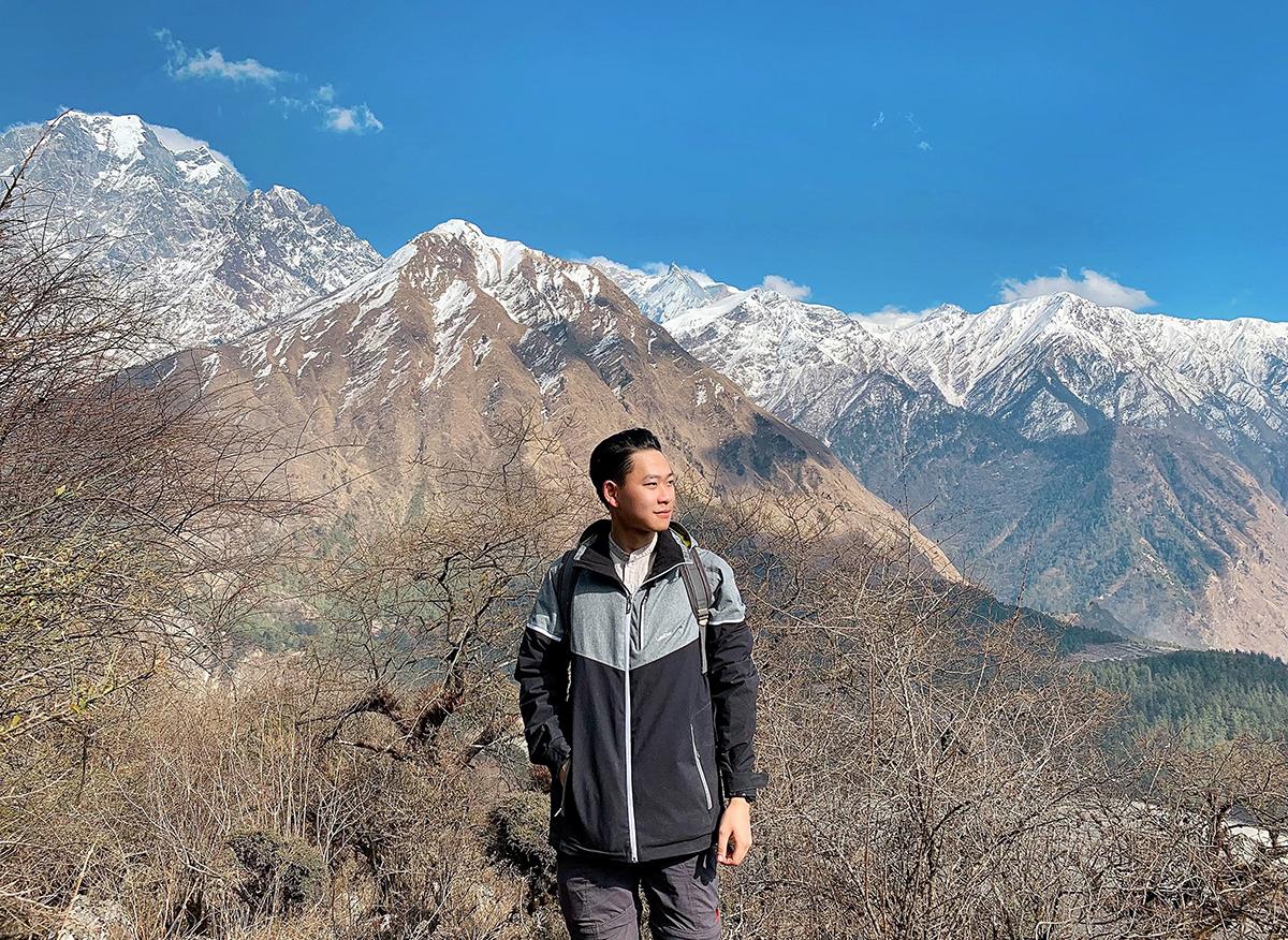 Dũng trong chuyến thực địa tại vùng núi Nilgiri thuộc dãy Himalaya (Nepal) hồi tháng 3/2019. Ảnh: Nhân vật cung cấp.