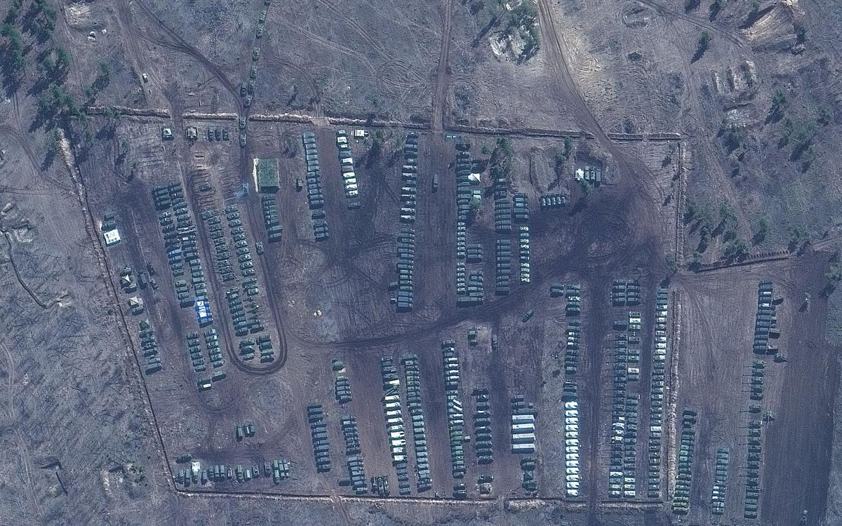 Lữ đoàn bộ binh cơ giới Nga tại trung tâm huấn luyện Pogonovo ở thành phố Voronezh của nước này, nằm ngay gần Ukraine. Ảnh: Maxar Technologies.