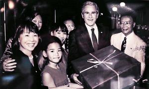 Cuộc đón tiếp Tổng thống Bush của em gái Trịnh Công Sơn