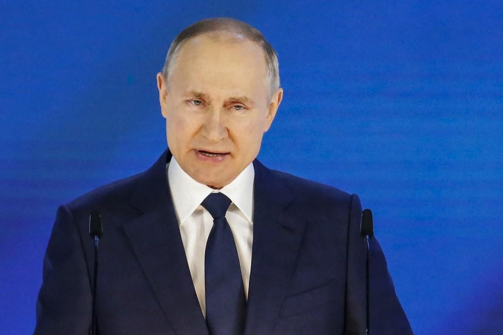 Tổng thống Nga Putin đọc Thông điệp Liên bang tại Moskva ngày 21/4. Ảnh: AFP.