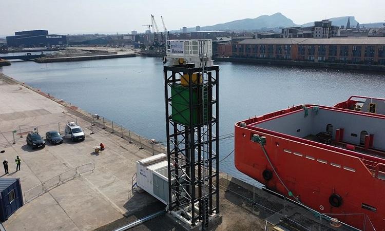 Hệ thống thử nghiệm đặt trên tháp cao của Gravitricity. Ảnh: BBC.