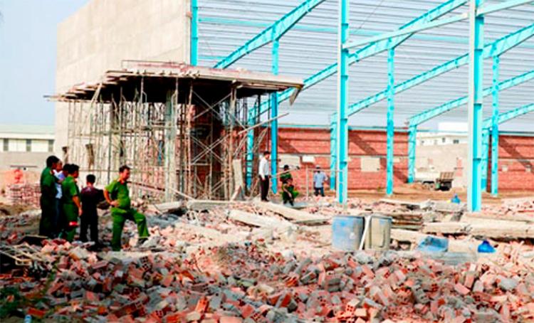 Hiện trường vụ sập tường ngày 15/3/2019 làm 7 người chết. Ảnh: Vĩnh Nam