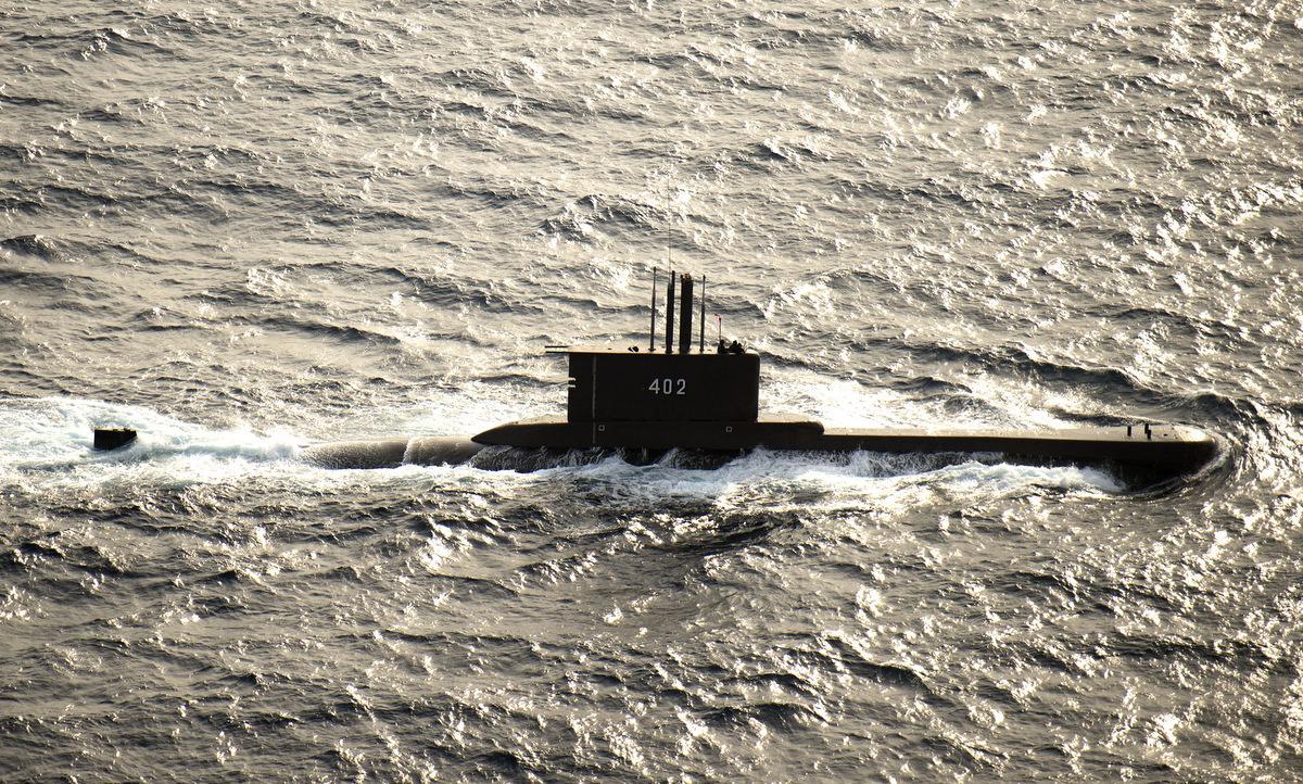Tàu ngầm KRI Nanggala di chuyển ngoài khơi Java năm 2015. Ảnh: Hải quân Indonesia.