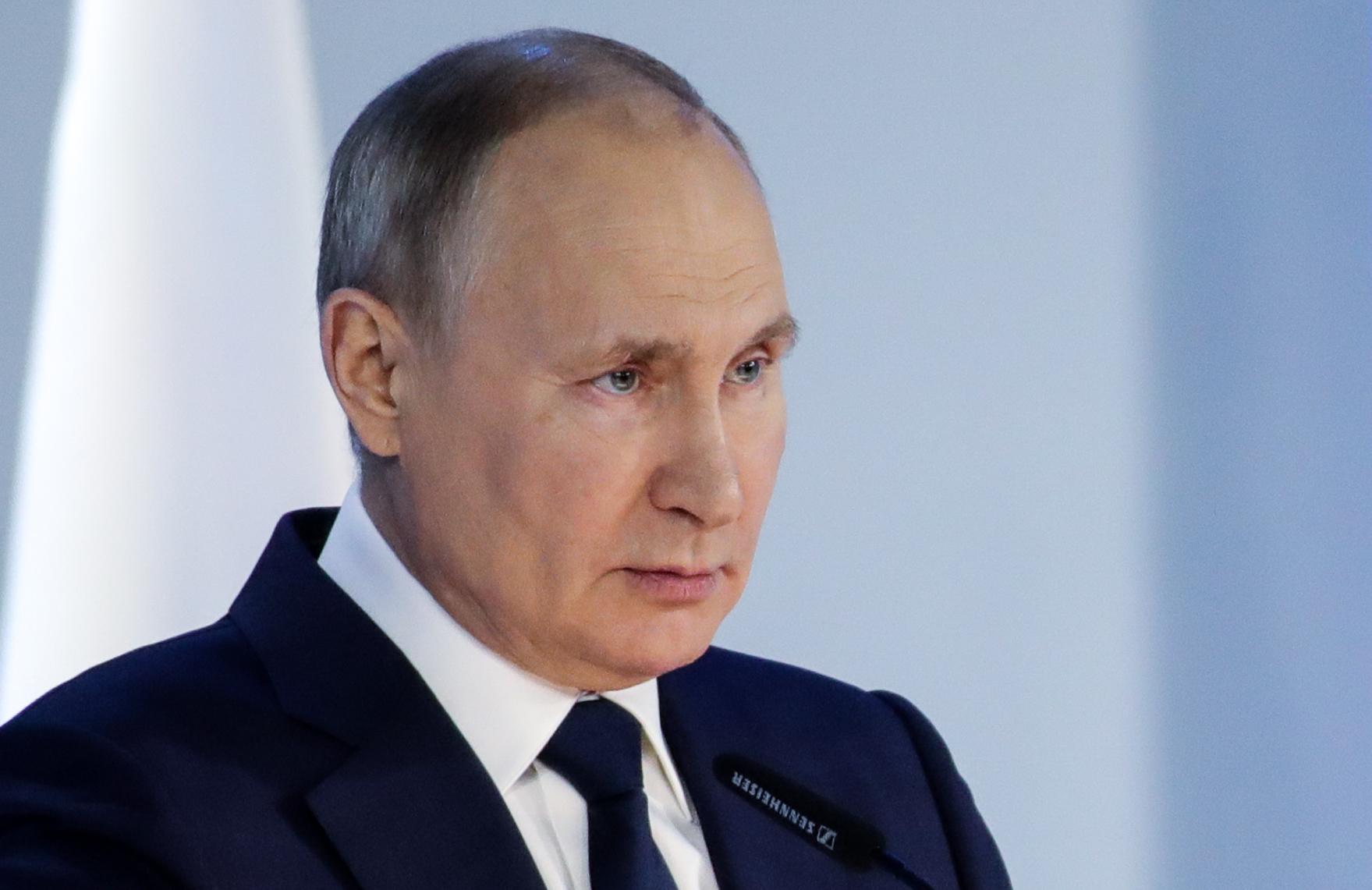 Tổng thống Nga đọc Thông điệp Liên bang tại Moskva ngày 21/4. Ảnh: Reuters.