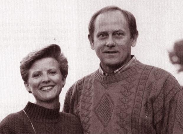 Kris Wells (trái) và chồng Doug. Ảnh: Open Road Media.