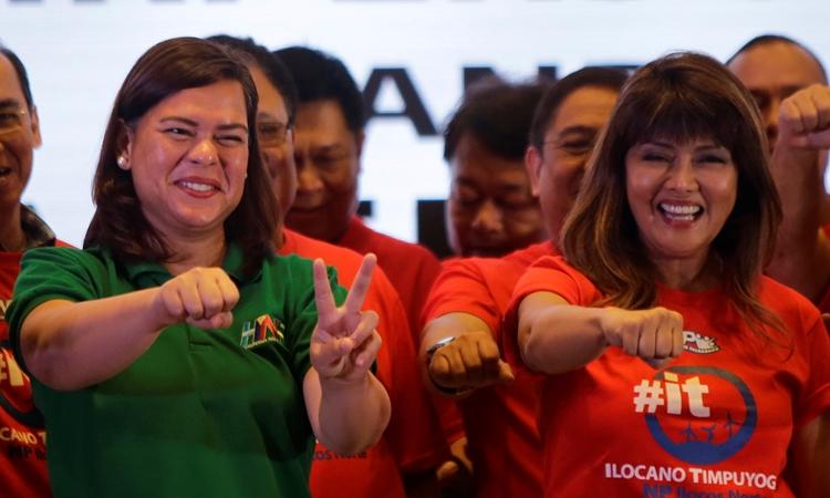 Thị trưởng Davao Sara Duterte-Carpio (trái) trong một sự kiện ở Paranaque, vùng đô thị Manila, hồi tháng 8/2018. Ảnh: Reuters.