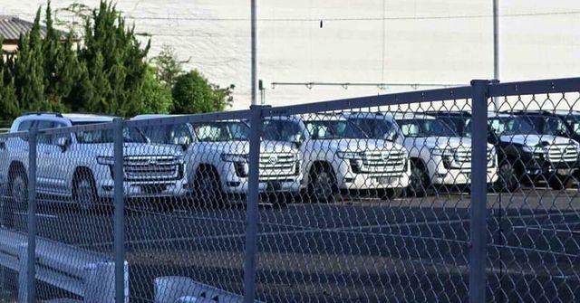 Land Cruiser thế hệ mới đỗ thành hàng ở nơi được cho là điểm tập kết. Ảnh: Land Cruiser Updates