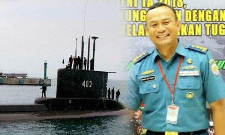 Tàu ngầm KRI Nanggala trước một chuyến ra khơi và đại tá Setiawan. Ảnh: Tribun News.
