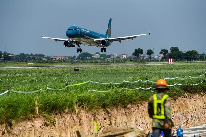 Máy bay cất cánh từ sân bay Nội Bài, Hà Nội. Ảnh: Giang Huy