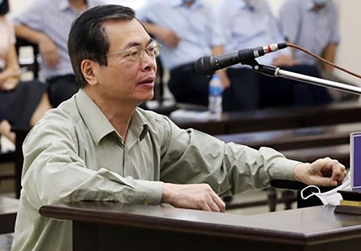 Ông Vũ Huy Hoàng tại toà sáng 24/4. Ảnh: TTXVN.