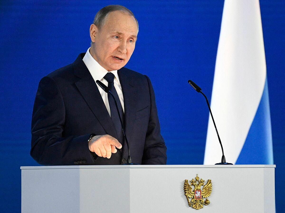 Chiến lược lùi khỏi miệng hố căng thẳng của Putin