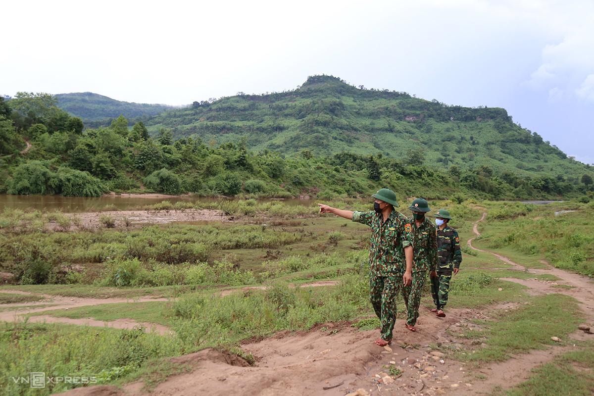 Biên phòng Quảng Trị sẽ có thêm sự tăng cường của công an và dân quân các xã biên giới để canh phòng chống dịch Covid-19. Ảnh: Hoàng Táo