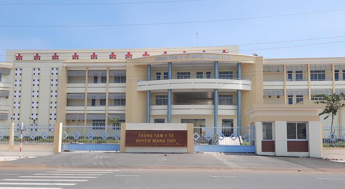 Trung tâm y tế huyện Mang Thít. Ảnh: Hưng Lợi