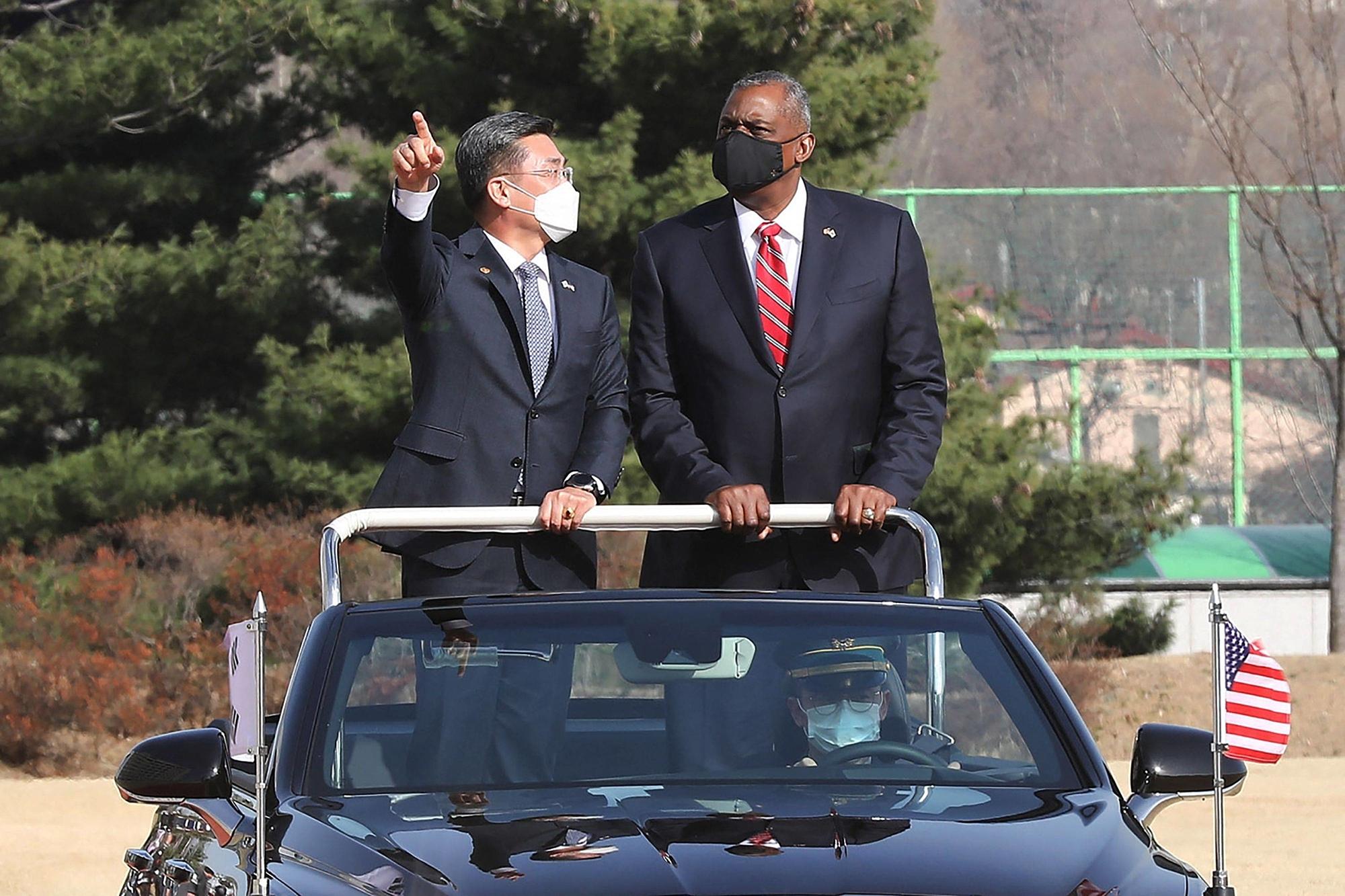 Bộ trưởng Quốc phòng Mỹ Floyd Austin thăm Bộ Quốc phòng Hàn Quốc tại Seoul vào ngày 22/3. Ảnh: AFP.