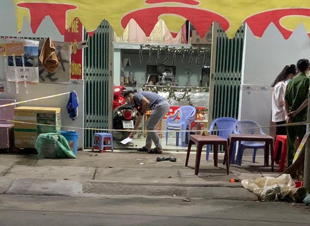 Hiện trường nơi bốn thanh niên đánh chết chủ quán cà phê. Ảnh: Yên Khánh