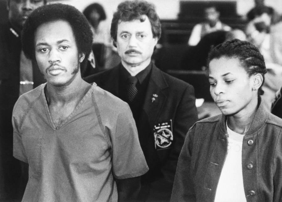 Alton Coleman (trái) và Debra Brown trước tòa. Ảnh: Getty.
