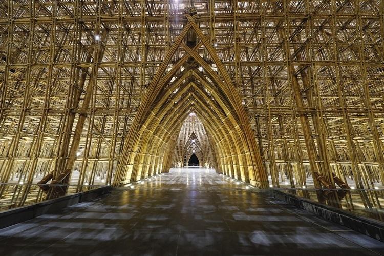Bamboo Legend là công trình tre lớn nhất Việt Nam tại Phú Quốc United Center. Ảnh: Hữu Khoa.