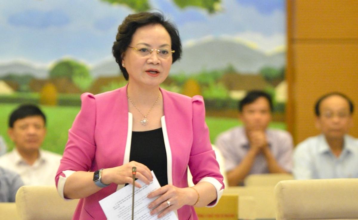 Bộ trưởng Nội vụ Phạm Thị Thanh Trà tại phiên họp Thường vụ Quốc hội sáng 27/4. Ảnh: Hoàng Phong