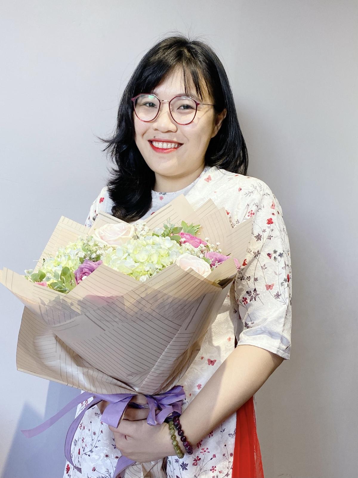 Cô Hồ Ái Linh, giáo viên Văn, trường THCS - THPT Đào Duy Anh, TP HCM. Ảnh: Nhân vật cung cấp.