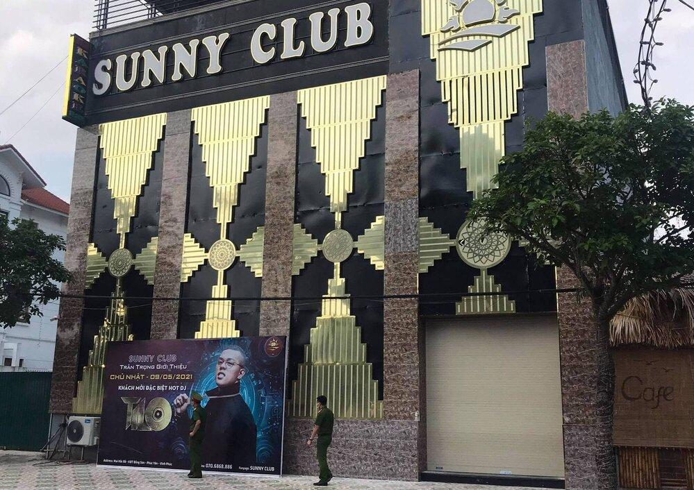 Quán bar Sunny, tại TP Phúc Yên, tỉnh Vĩnh Phúc. Ảnh: Thái Bình