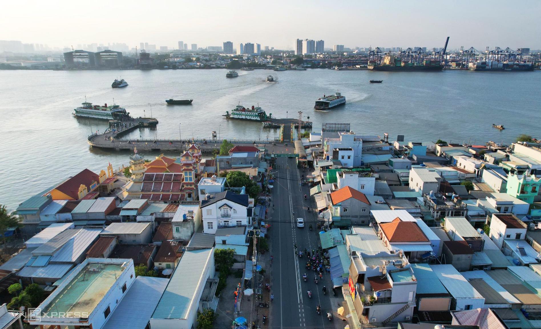 Bến phà Cát Lái phía đầu tỉnh Đồng Nai thông thoáng, chiều 3/5. Ảnh: Quỳnh Trần