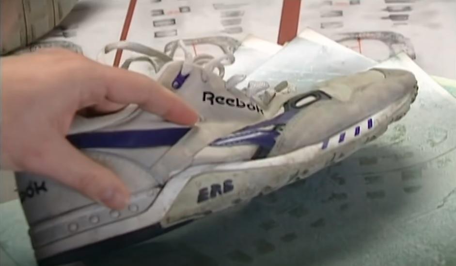 Xét nghiệm dấu vết do chiếc giày Rebook in tại hiện trường. Ảnh: The New Detectives.
