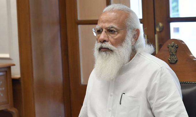 Thủ tướng Ấn Độ Narendra Modi trong cuộc họp về Covid-19 tại New Delhi đầu tháng trước. Ảnh: ANI.