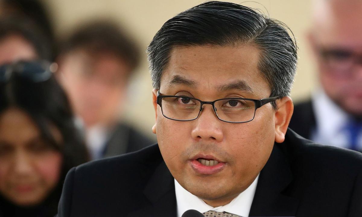 Đại sứ Myanmar tại Liên Hợp Quốc Kyaw Moe Tun phát biểu tại Geneva, Thụy Sĩ, hồi tháng 11/2019. Ảnh: Reuters.