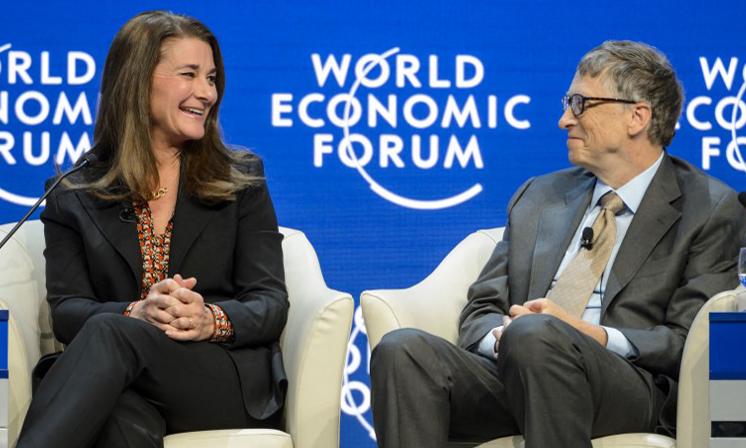 Melinda và Bill Gates trong một phiên họp tại Diễn đàn Kinh tế Thế giới ở Davos, Thụy Sĩ, hồi tháng 1/2015. Ảnh: AFP.