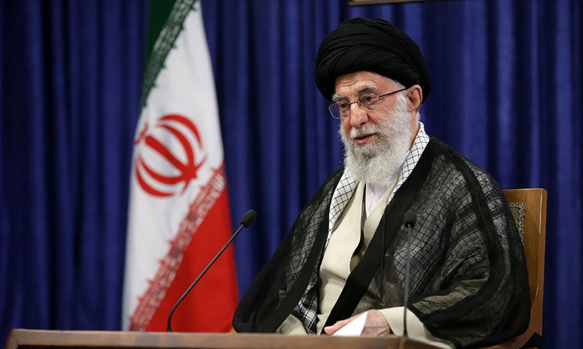 Lãnh tụ tối cao Iran Ali Khamenei phát biểu trên truyền hình ngày 7/5. Ảnh: AFP.