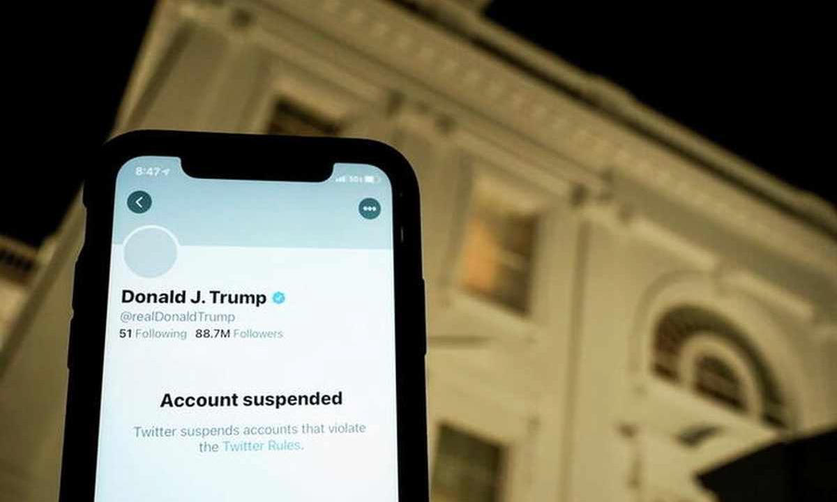Hình chụp tài khoản Twitter của Donald Trump bị đình chỉ ngày 8/1. Ảnh: Reuters.