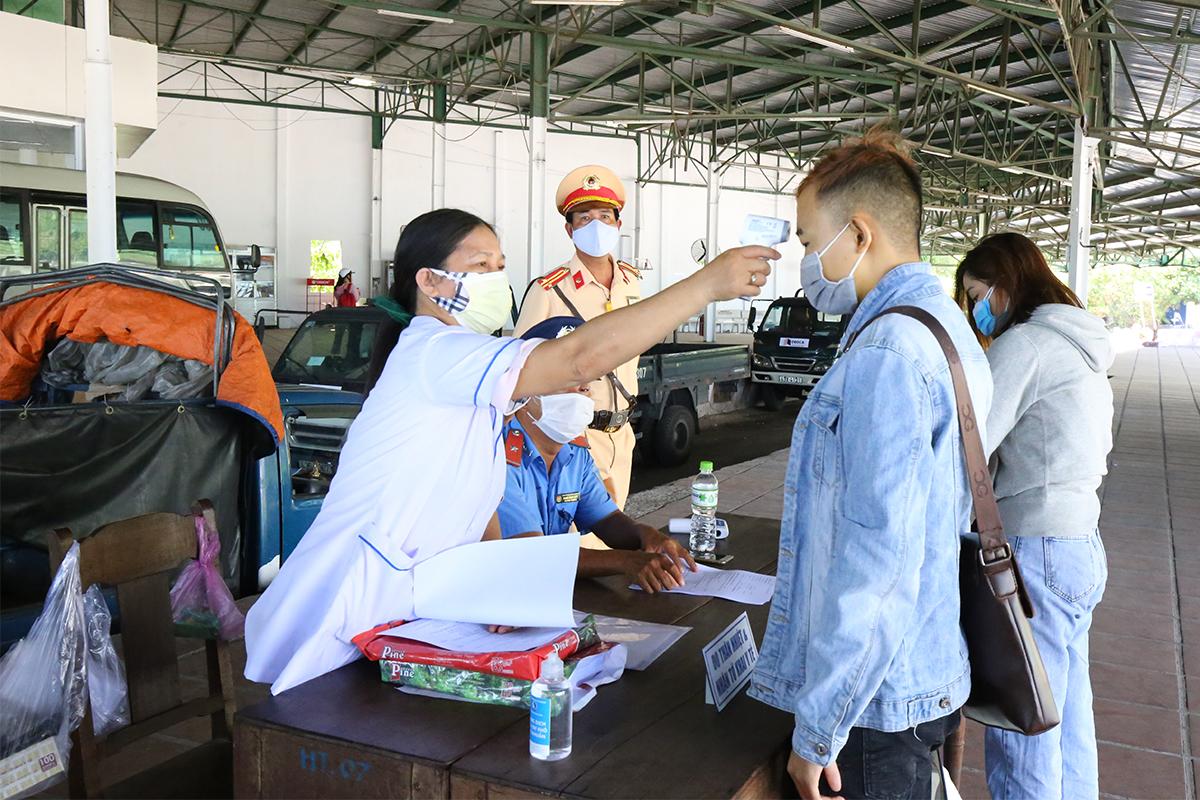 Chốt giám sát dịch tễ trạm trung chuyển phía bắc hầm Hải Vân (địa phần Thừa Thiên Huế). Ảnh:Võ Thạnh