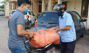 Giải cứu hàng tấn dưa giúp dân bị cách ly