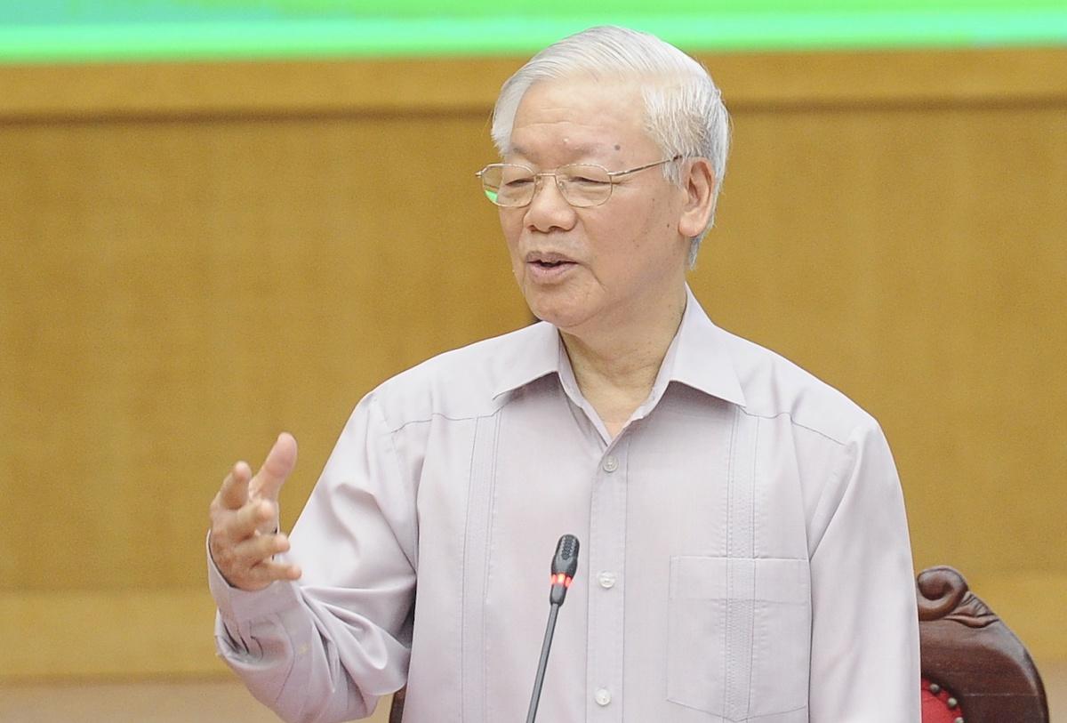 Tổng bí thư Nguyễn Phú Trọng tiếp xúc cử tri tại Quân Ba Đình, sáng 8/5. Ảnh: Hoàng Phong