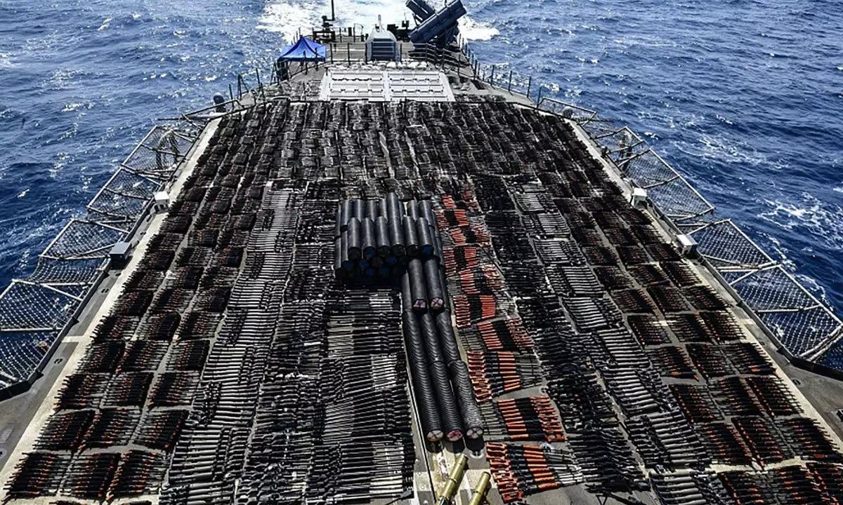 Lô vũ khí bị Mỹ tịch thu trên biển Arab hôm 6/5. Ảnh: AFP