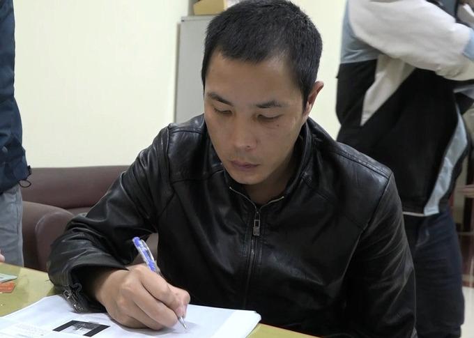 Lộc tại cơ quan điều tra. Ảnh:Nghĩa Nguyễn.