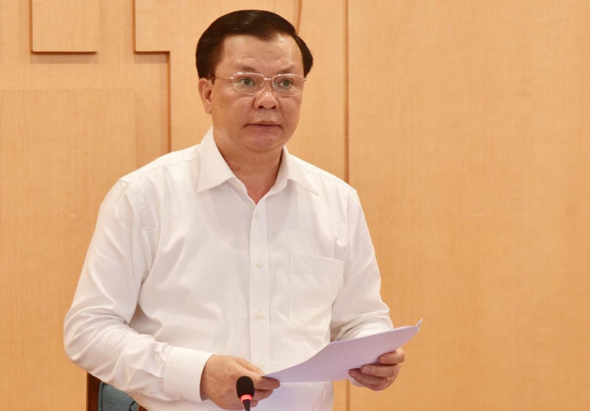 Bí thư Thành uỷ Hà Nội Đinh Tiến Dũng phát biểu tại cuộc họp chiều 10/5. Ảnh: Viết Thành.