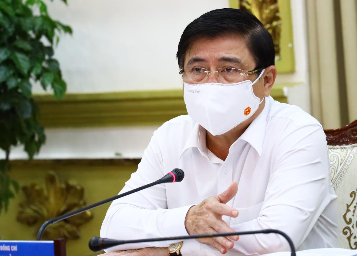 Chủ tịch UBND TP HCM Nguyễn Thành Phong phát biểu tại cuộc họp. Ảnh: Trung tâm báo chí TP HCM.