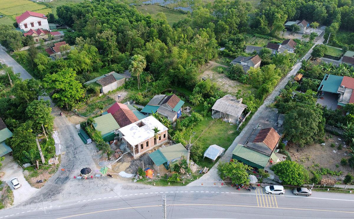 Một góc của thôn Việt Yên, xã Việt Tiến, nơi vừa bị phong tỏa 5 ngày. Ảnh: Hùng Lê