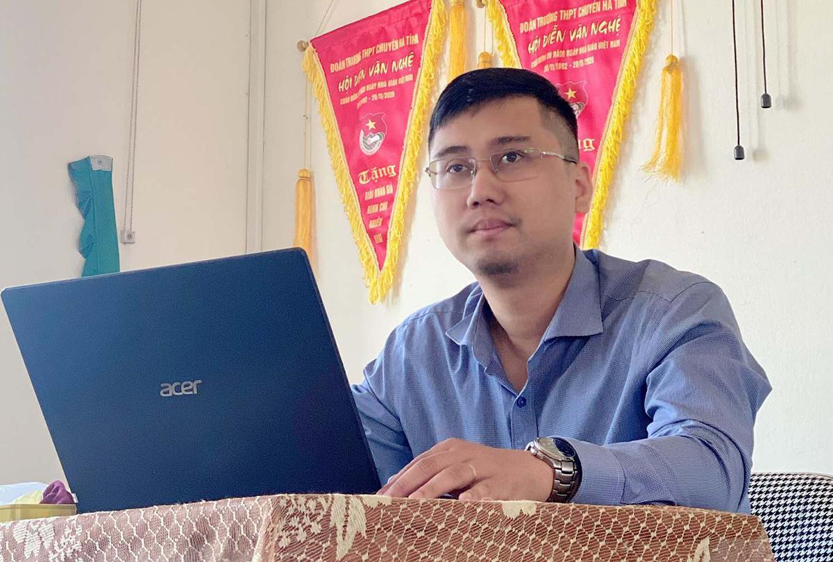 Thầy Trần Thế Hùng trong một tiết Toán ở trường THPT chuyên Hà Tĩnh. Ảnh: Nhân vật cung cấp.