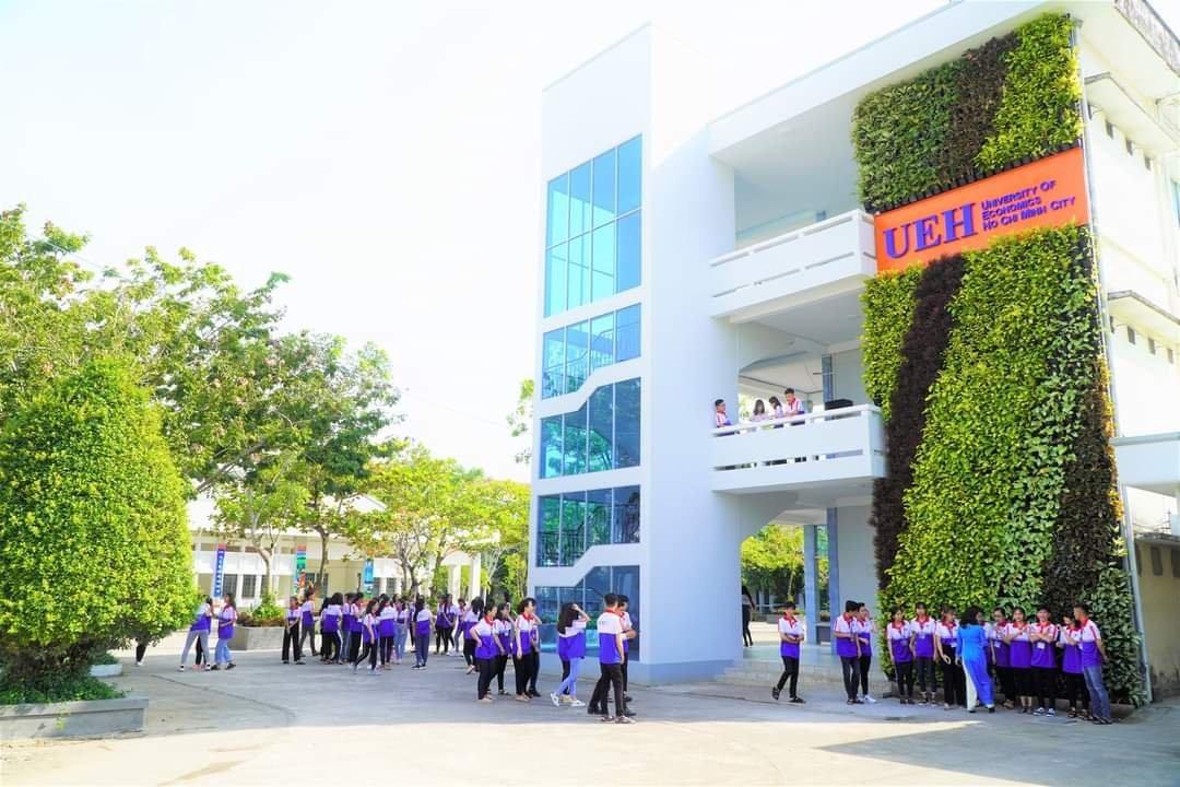 Khuôn viên trường Đại học Kinh tế TP HCM tại Vĩnh Long.