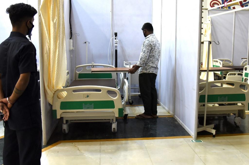 Một trung tâm điều trị Covid-19 mới chuẩn bị mở cửa tại Mumbai, Ấn Độ, hôm 9/5. Ảnh: AFP.