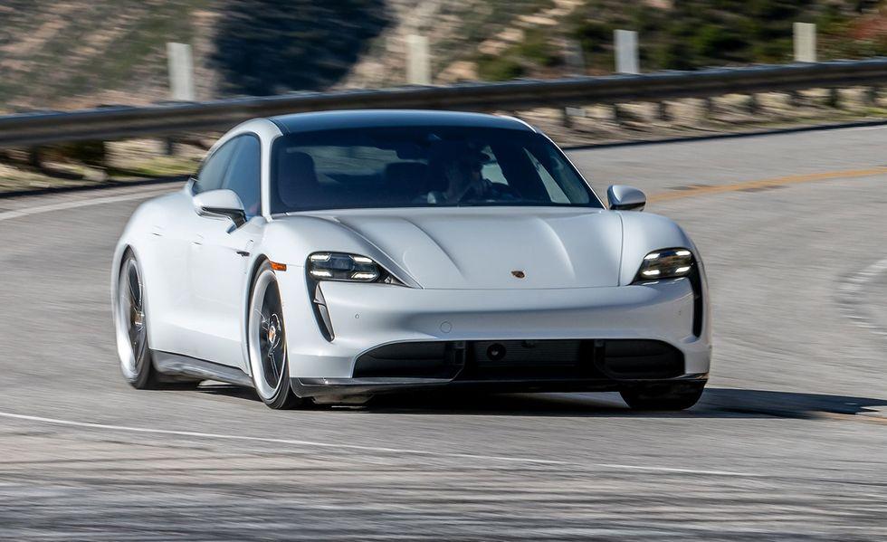 Những mẫu ôtô điện bán chạy nhất - 3