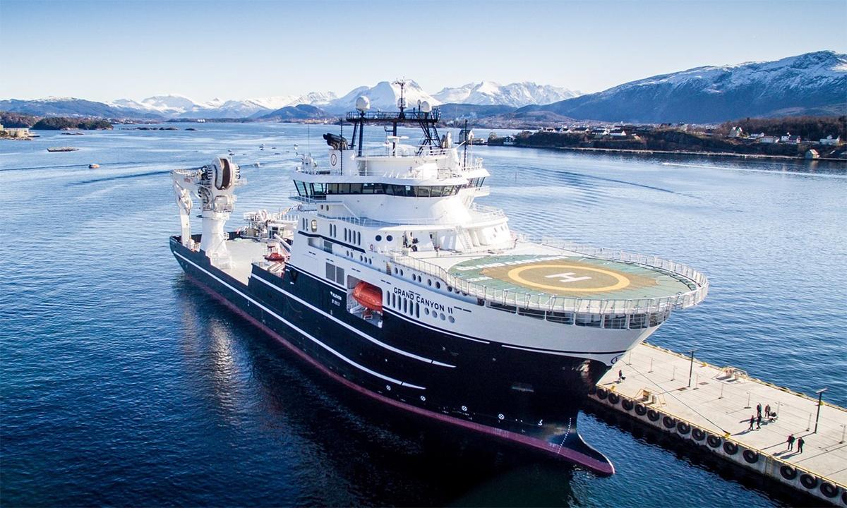 Tàu Grand Canyon II neo đậu tại một cảng của Na Uy. Ảnh: Myklebustverft.