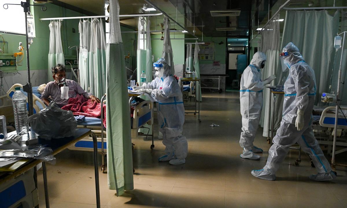 Phòng chăm sóc đặc biệt tại một bệnh viện ở Moradabad, bang Uttar Pradesh tuần trước. Ảnh: AFP.