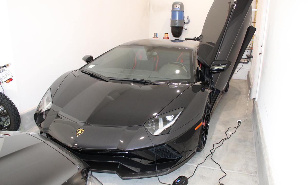 Siêu xe Lamborghini Aventador S 2018 được mua từ tiền hỗ trợ Covid-19. Ảnh: US Attorney L.A.