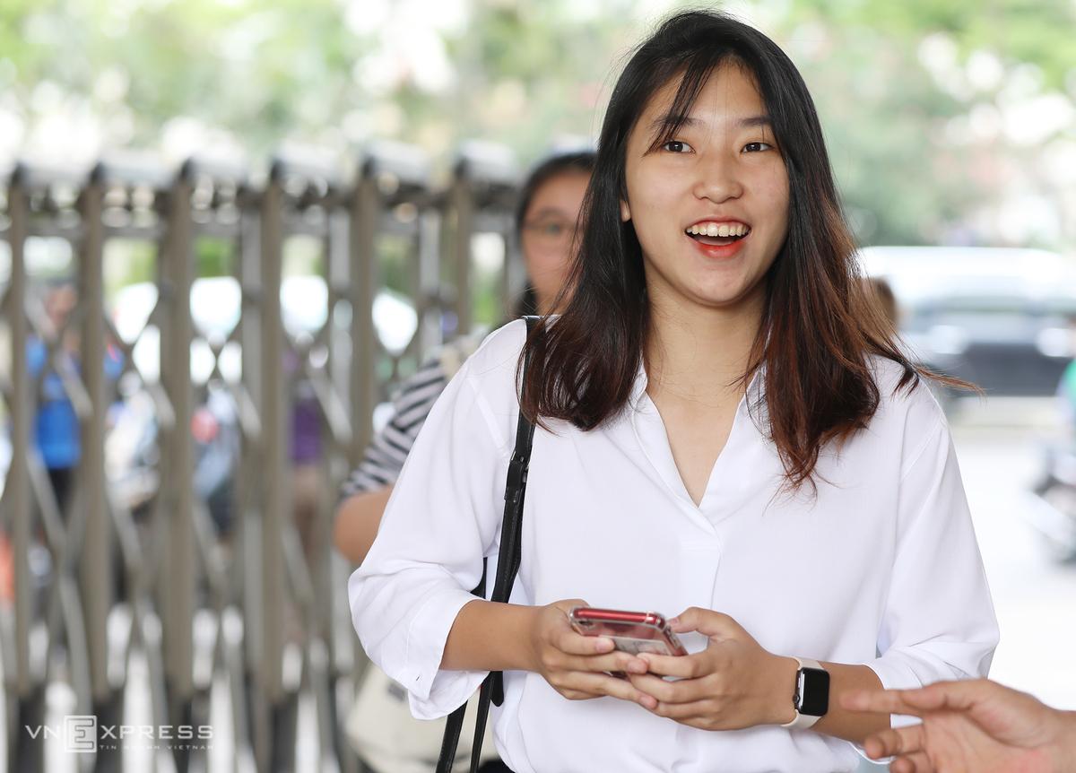 Học sinh Hà Nội dự thi vào lớp 10 năm học 2020-2021. Ảnh: Ngọc Thành